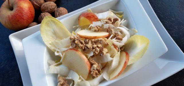 Salade d'endives, noix, pomme  et panais cru râpé